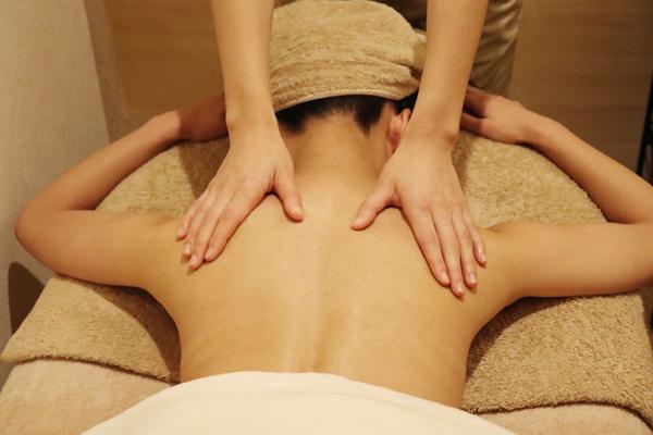 aroma-kata-massage